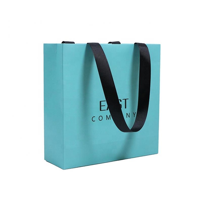 New Gold Logo Hot Foiled Stamping Black Matt Kraft Paper Bag With Cotton Rope Handles